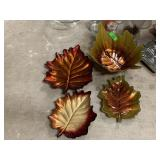 LOT OF LEAF THEMED DECOR / TRAYS MORE