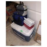 LARGE LOT OF COOLERS / LUNCHBOXES