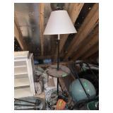 FLOOR LAMP W TABLE