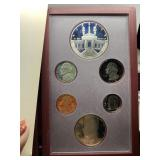 1984 PRESTIGE COIN SET SILVER DOLLAR