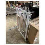 WHITE METAL GATE FOR PETS / CHILDREN