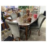 DINING TABLE AND CHAIRS (GORGEOUS TABLE, CHAIRS..