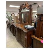 GORGEOUS BOWED FRONT DRESSER W MIRROR