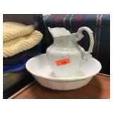 VTG JOHNSON BROS WASH BASIN AND PITCHER