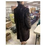 FULL LENGTH FUR COAT (M-L) I AM A SIZE 4-6