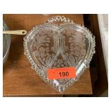 PADEN CITY GLASS HEART DIVIDED CANDY DISH