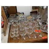 LARGE LOT OF GLASSWARE / STEM WARE