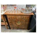 GORGEOUS CHINESE BUFFET / CABINET