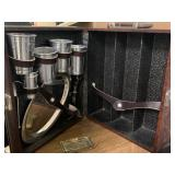 VTG PORTABLE BAR / SERVING SET