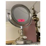 LLIGHTED MAKEUP MAGNIFYING VANITY MIRROR