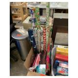LARGE LOT OF WRAPPING PAPER / GIFT BAGS