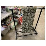 CLOTHES RACK W BLANKET