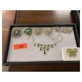 LOT OF VTG BROOCHES / RHINESTONE NECKLACE MORE