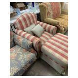 PLAID OVERSIZE COMFY CHAIR W OTTOMAN