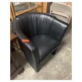 BLACK CLUB CHAIR