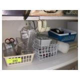 LOT OF MISC PLASTICS / CUTTING BOARDS & CRAFTS