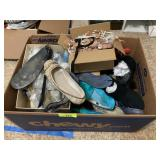 LARGE BOX OF MISC SHOES / STRETCHERS SZ 8-9