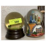 2PC WATER GLOBES 1 IS OF DALLAS