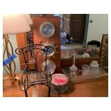 LOT OF DECOR / PERFUME BOTTLE / MISC