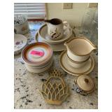 LOT OF DISHES / MISC