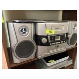 INSIGNIA CD PLAYER AND RADIO