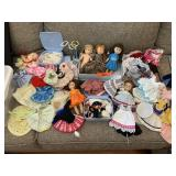 LARGE LOT OF VOGUE GINNY DOLLS AND OUTFITS