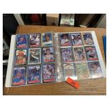 LARGE LOT OF BASEBALL CARDS