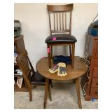 VTG SMALL DROP LEAF TABLE W 2 CHAIRS