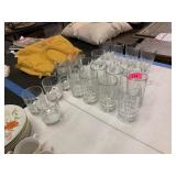 LARGE LOT OF GLASSWARE