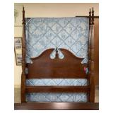 QUEEN 4 POSTER BED W PREOWNED MATTRESS