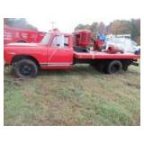 1970 INTERNATIONAL 1500 FLAT BED DUALLY
