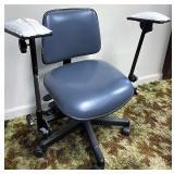 Ergonomic dentist chair