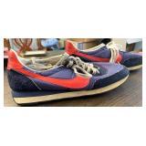 Vintage Nike waffle pattern shoes