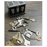 Miscellaneous keys and treasure box