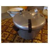 Presto pressure cooker model No. 7