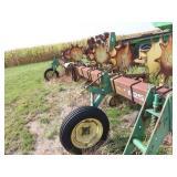 """John Deere 825 row crop cultivator 8 row 30"""""""
