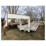1982 Butler gooseneck 32ft trailer tandem dual