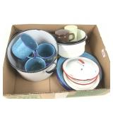 Lot of graniteware items