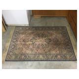 Patterned floor rug