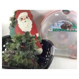 Christmas wreaths & tree & wood sign