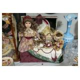 Victorian dolls & bears and trunk