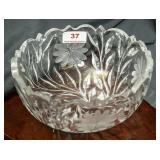 "Etched lead crystal 8"" diameter bowl"