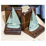 Pr: wooden bookends w/ metal sailboats