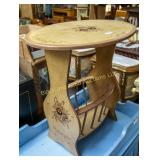 Oval top side table/magazine stand