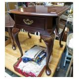 Thomasville double drop leaf end table