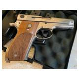 Smith & Wesson 9MM Model 39-2