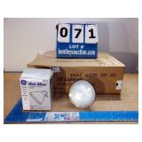 BOX: GE PAR 38 WATT-MISER LIGHT BULBS (12X MONEY)