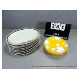 LOT: 12 OVAL CERAMIC DINNER PLATES & 4 YELLOW