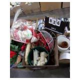 BOX: TABLE CENTER PIECES, BASKET (WIRE FRAM),