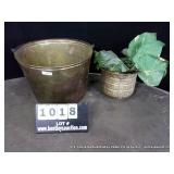 LOT: 1 BRASS TYPE POTTED - LARGE LEAFED PLANT,1